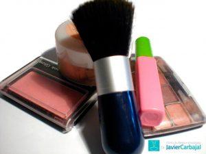 alergia na pele causada por maquiagem