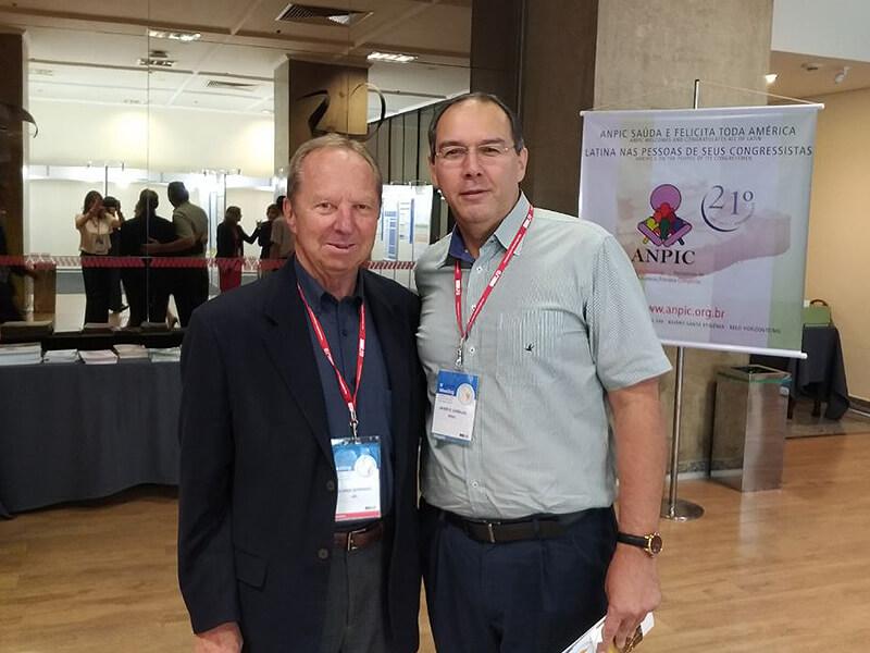 Com o Professor Ricardo Sorensen, do Children's Hospital de New Orleans. Um dos maiores experientes no mundo em Imunodeficiências Primárias.
