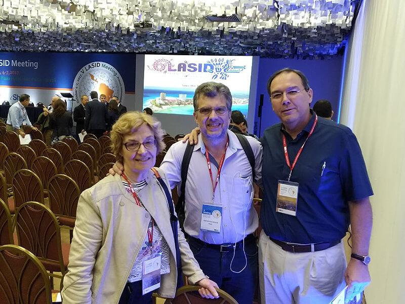 Dra. Myrthes Toledo Barros e Dr. Dewton De Moraes Vasconcelos, do Hospital das Clínicas da Faculdade de Medicina da USP.